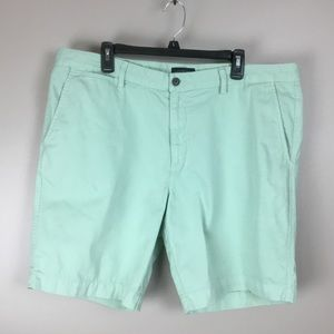 Lands End Men's Casual Green Shorts